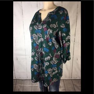 Woman's Blair tunic blouse size large